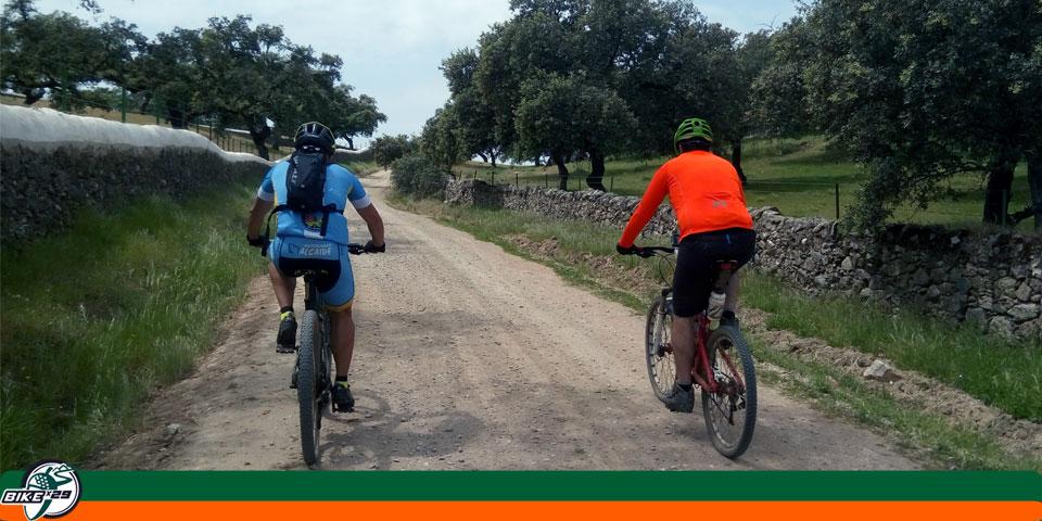 bikex29_ruta3_las_tres_provincias_cicloturismo_cala_santa_olalla_camino