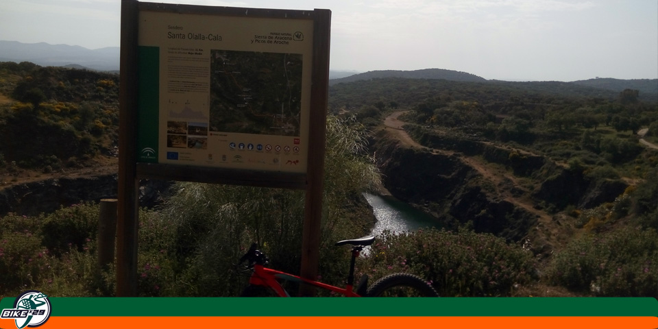 bikex29_ruta3_las_tres_provincias_cicloturismo_cala_santa_olalla_cartel_teuler