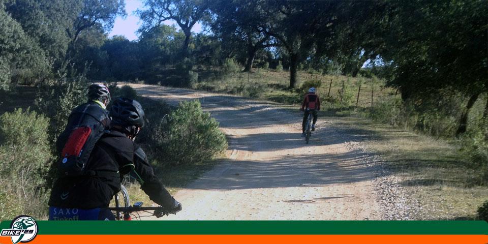bikex29_ruta_11_cicloturismo_btt_iniciacion_zufre_higuera_carril_blanco_tobas